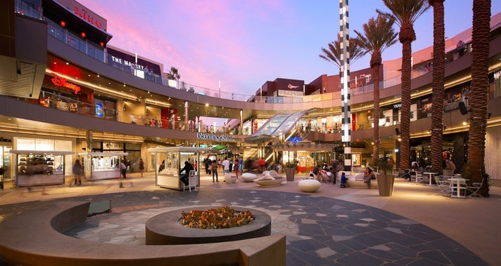 Santa Monica Place Courtyard | Photo courtesy of Santa Monica Place Mall